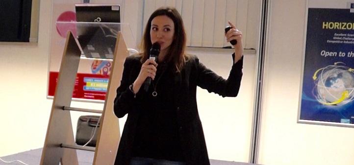 La doctora Marian González-García impartió una conferencia sobre mindfulness y ciencia ante la Comisión Europea, en Bruselas
