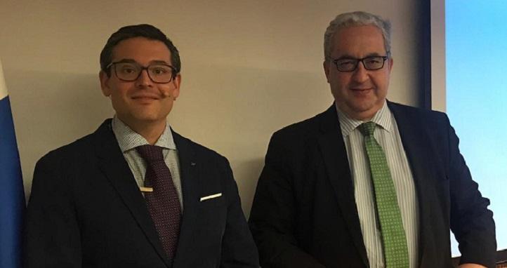 El doctor Iñaki Elío impartió una conferencia sobre la alimentación y el cáncer en el Colegio de Médicos de Cantabria