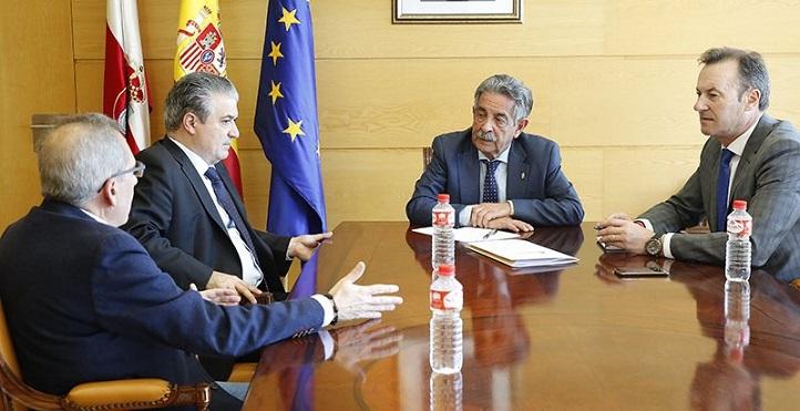 El presidente de Cantabria elogia el trabajo desarrollado por FIDBAN, entidad impulsada por la Universidad Europea del Atlántico