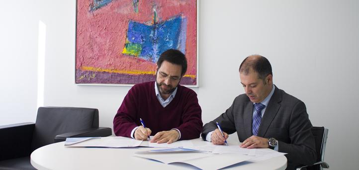 La Universidad Europea del Atlántico firma un convenio de colaboración con PLIS, un proyecto laboral de inserción social