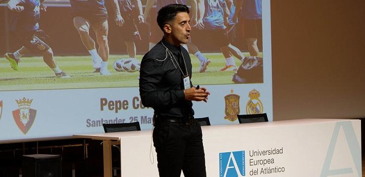 El preparador físico Pepe Conde cautivó a la audiencia del I Congreso de Rendimiento Deportivo, que reunió a cinco ponentes