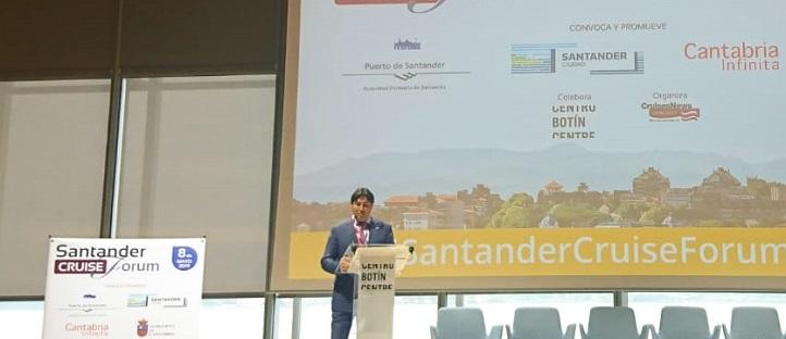 Estudiantes y graduados en ADE por UNEATLANTICO acudieron al Santander Cruise Forum y accederán a su bolsa de trabajo