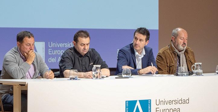 """Cuatro expertos debatieron en torno a la anchoa en el ciclo de conferencias """"La alimentación del siglo XXI"""""""