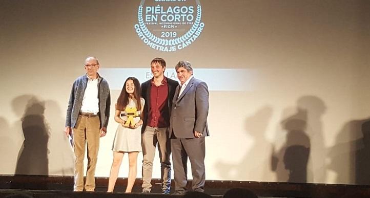 El profesor Nacho Gutiérrez-Solana recibió el premio al mejor cortometraje cántabro de ficción en el Festival de Piélagos