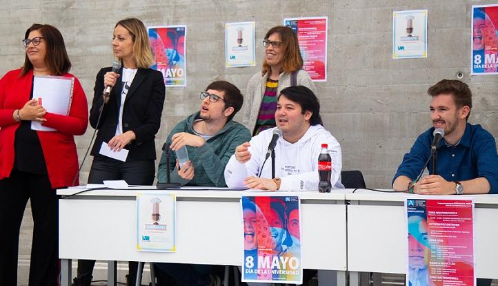 Avanza el Día de la Universidad con diferentes competiciones y la entrega de premios del Certamen de Relato Corto