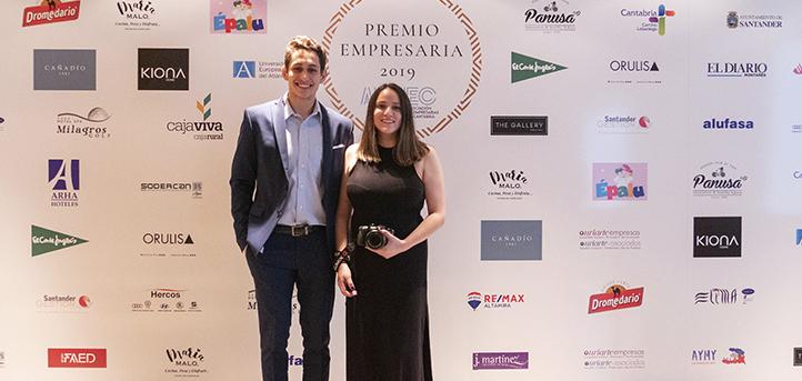 Alumnos de UNEATLANTICO colaboran en la organización de la gala del Premio Empresaria 2019