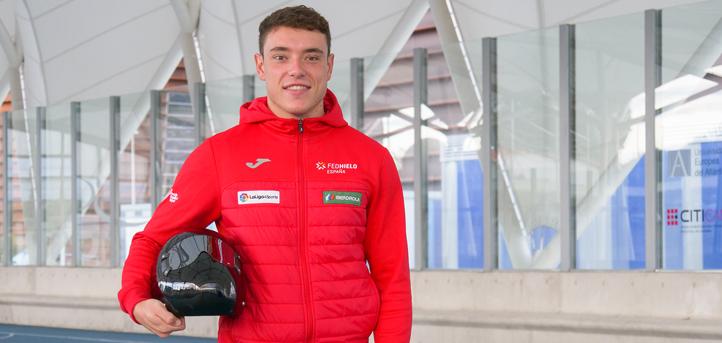 El alumno Adrián Rodríguez busca clasificarse con la Selección Española de Skeleton para los Juegos de Invierno de Pekín 2022