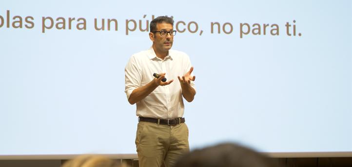 """Xosé Castro: """"La comunicación oral es una selección natural"""""""