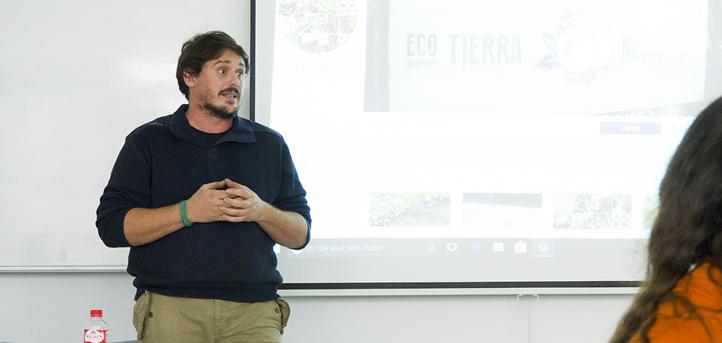 """El gerente de Eco Tierra Mojada defiende la agricultura ecológica """"como el único camino posible"""" para Cantabria"""