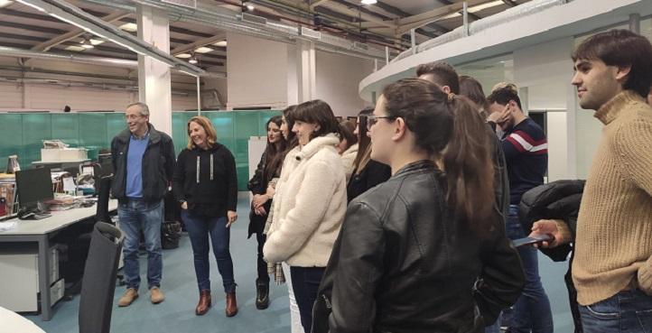 Alumnos del grado en Periodismo visitaron la redacción de El Diario Montañés, decano de la prensa de Cantabria