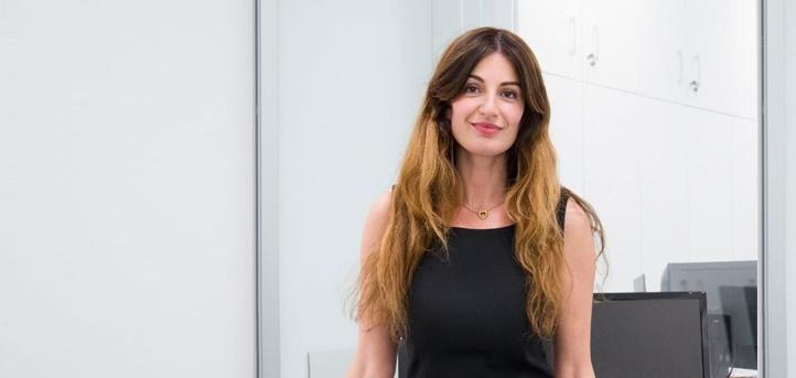 La vicerrectora de UNEATLANTICO, Silvia Aparicio, explica la metodología online de la universidad