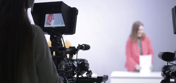 El Grado en Periodismo de UNEATLANTICO te abre las puertas al mundo de la información y la comunicación