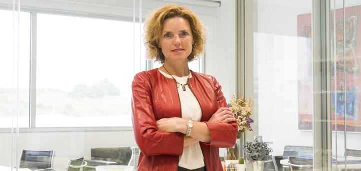 La profesora Inna Alexeeva pronunció una conferencia virtual sobre emprendimiento en la Universidad CUGS mexicana