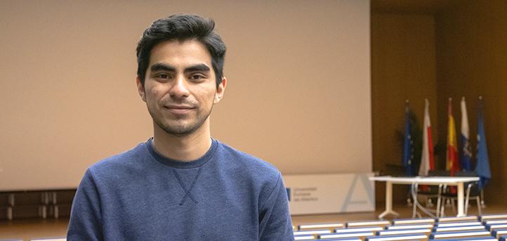 Un alumno de Comunicación Audiovisual, Omar Vásquez, presenta un proyecto de cortometrajes bajo el título «HIM, HER & US»