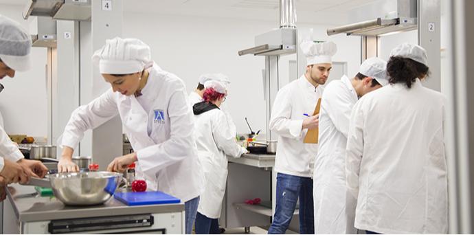 UNEATLANTICO se convierte en la única universidad del norte de España en ofrecer todos los grados relacionados con la alimentación