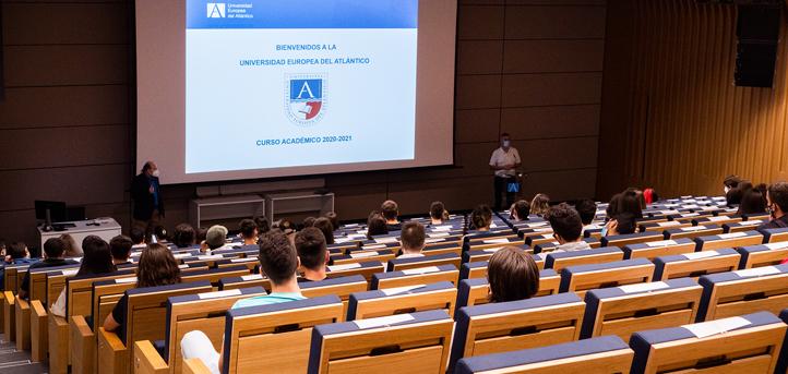 Los docentes de UNEATLANTICO dieron la bienvenida a los nuevos alumnos del curso  2020-2021 y les animaron a integrarse