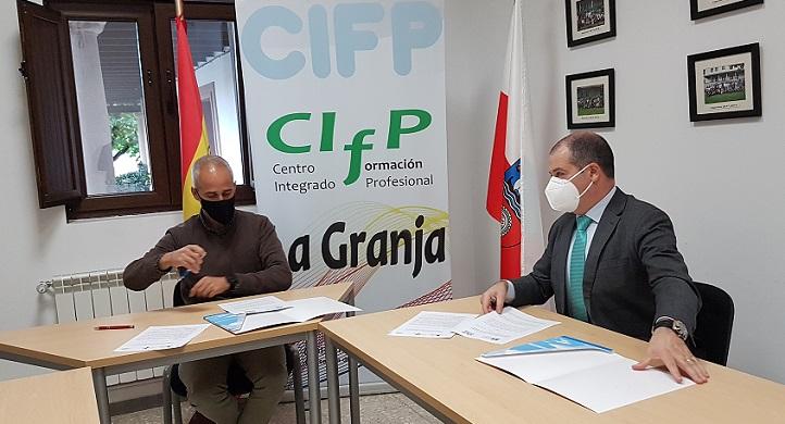 UNEATLANTICO y el IES La Granja, de Heras acuerdan un convenio de colaboración que facilitará la visita a determinadas instalaciones