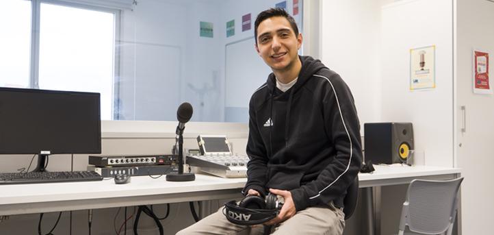 Hablamos con el alumno mexicano, Jorge Domínguez, sobre su labor como técnico de sonido en UNEATLANTICO Radio