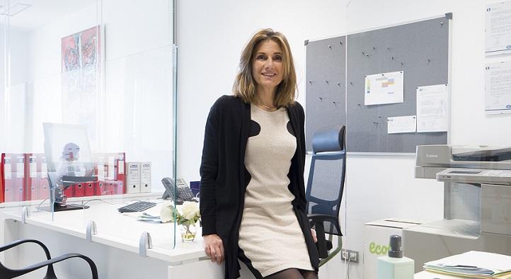 Elena Palacio, responsable de Relaciones Institucionales de UNEATLANTICO, persigue el acercamiento de la Universidad a la empresa