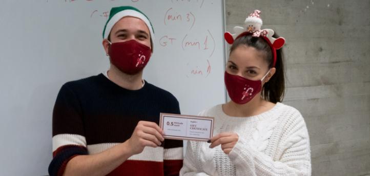 Los alumnos de UNEATLANTICO participan en una gincana navideña dentro del marco de la asignatura Inglés I