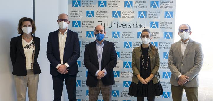 El concejal Álvaro Lavín visita el campus de UNEATLANTICO con el objetivo de poner en marcha iniciativas comunes en materia social