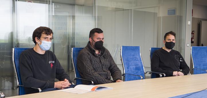 Los chefs con estrella Michelin, Ignacio Solana y José Antonio González, visitan las instalaciones de UNEATLANTICO