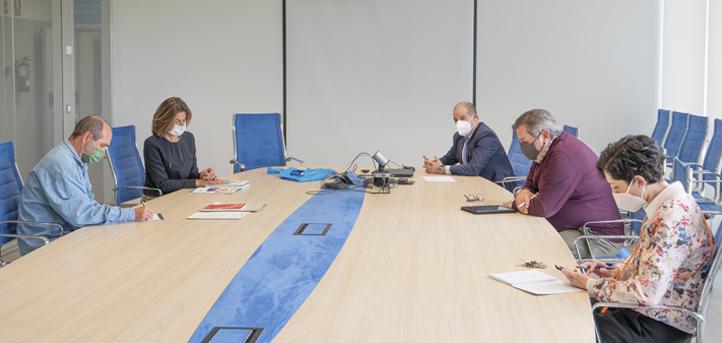 El director del Centro de Investigación y Formación Agrarias, Gabriel Moreno, visitó el campus y mantuvo una reunión de trabajo