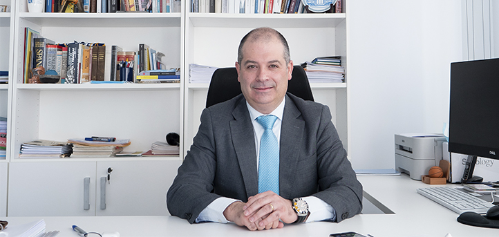 El rector de UNEATLANTICO, Rubén Calderón, comenta la oferta académica de los grados en alimentación en una entrevista para Onda Cero