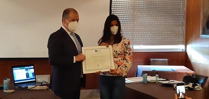 El rector de UNEATLANTICO hace entrega de los diplomas acreditativos de la cuarta promoción del máster en Sexología Médica