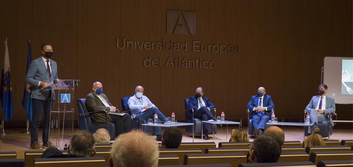 """El Salón de Actos de UNEATLANTICO acoge el ciclo """"Transformación digital del sector agroalimentario de Cantabria"""" que organiza El Diario Montañés"""