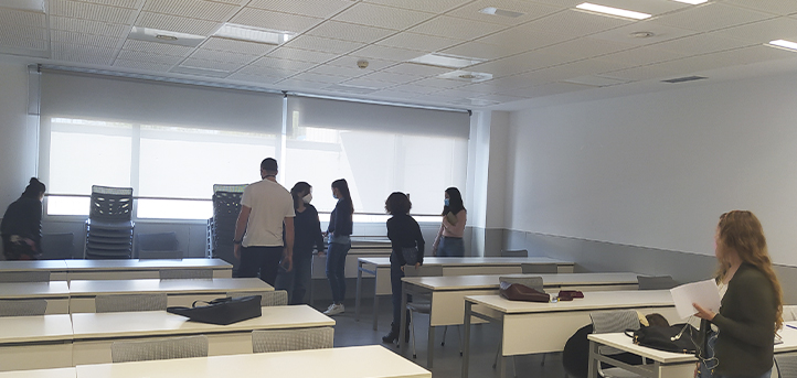 Los alumnos del grado en Lenguas Aplicadas realizan una actividad práctica dentro de la asignatura «La Intercomprensión y su Didáctica»