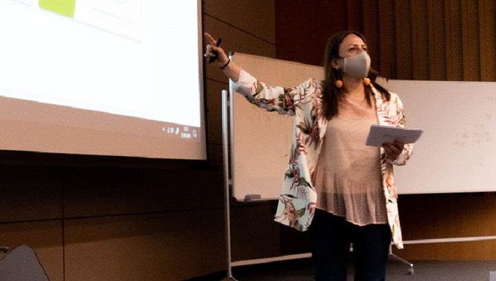 Patricia Presmanes, directora de Comunicación del IMQ, compartió su experiencia en creación de campañas con los alumnos de Publicidad