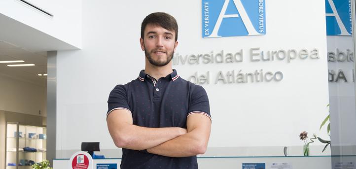 El alumno egresado en CAFYD, Manuel Floranes, crea una empresa con la que UNEATLANTICO firma un convenio de colaboración