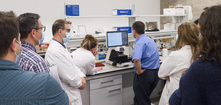 Expertos de Thermo Fisher Scientific visitan UNEATLANTICO para la demostración de equipos especializados de laboratorio