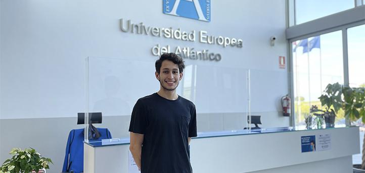 El alumno salvadoreño, Aldo Díaz, comenta su experiencia realizando prácticas externas en Derwent Group