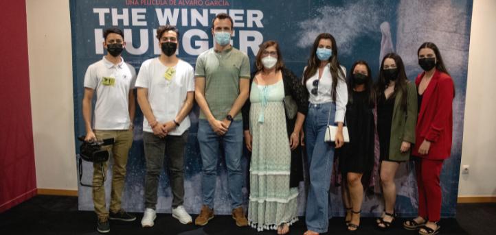 Un grupo de alumnas del grado en Traducción e Interpretación subtitulan la película The Winter Hunger en varios idiomas