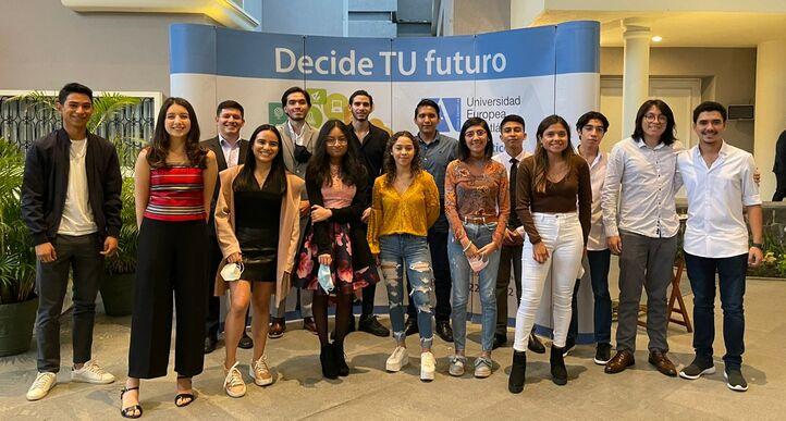 Los alumnos guatemaltecos de nuevo ingreso se reunieron con representantes de UNEATLANTICO para recibir información sobre el curso 2021-22