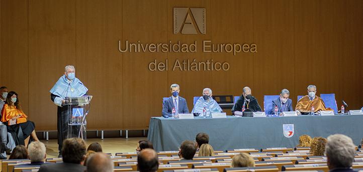 UNEATLANTICO celebra el acto de apertura del curso académico 2021-2022 y premia a los mejores expedientes