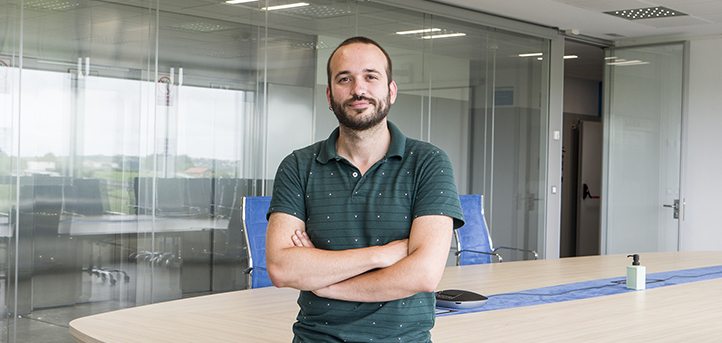 Hablamos Manuel Cristóbal Rodríguez tras su nominación en los Premios Educa ABANCA, como mejor docente de España