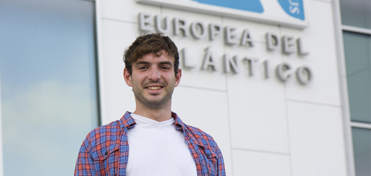 Alberto Martínez, antiguo alumno de la Universidad, crea su propia consulta de nutrición con la que UNEATLANTICO firma un convenio