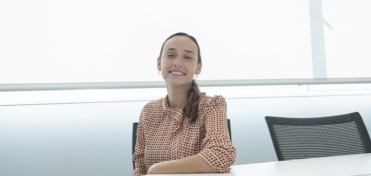 La doctora Carla Álvarez, nos habla sobre su trayectoria profesional y sobre la asignatura «Fundamentos de la Psicobiología»
