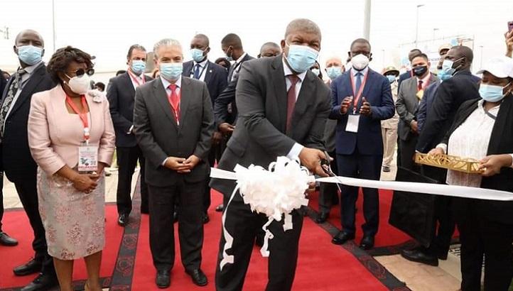 El presidente de Angola inauguró la Universidade Internacional de Cuanza, que impulsa la Fundación Universitaria Iberoamericana